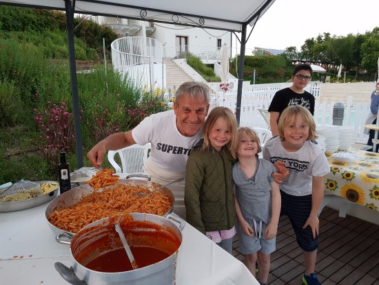 Pedaso, Ιταλία: De pasta avond, erg genoten erg gastvrij bij het zwembad