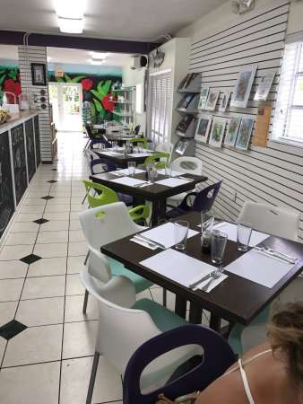 Bitton Bistro Cafe : Amazing food and expansive selection!