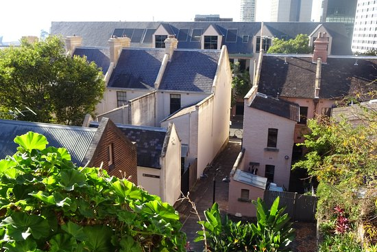 Sydney Harbour Bed and Breakfast: Room overlooks Rocks heritage buildings