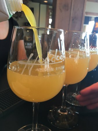 Hoodoos at Sun Rivers : Mimosa time!