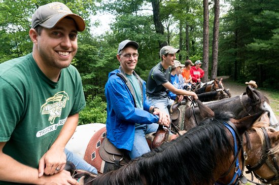 Walden Creek Horseback Riding Stables: getting lined up for a group photo
