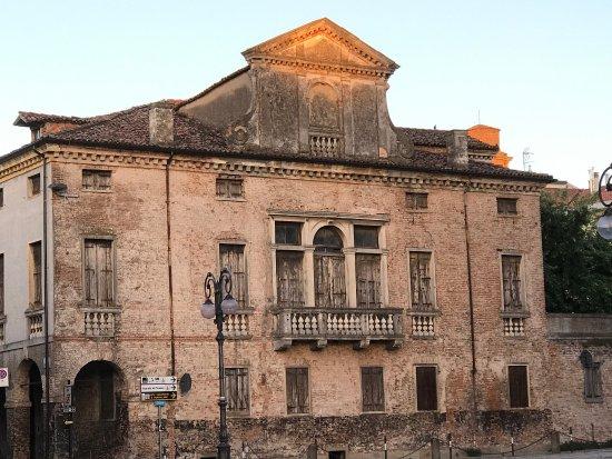 Villa Fracanzani di Via Giuseppe Garibaldi