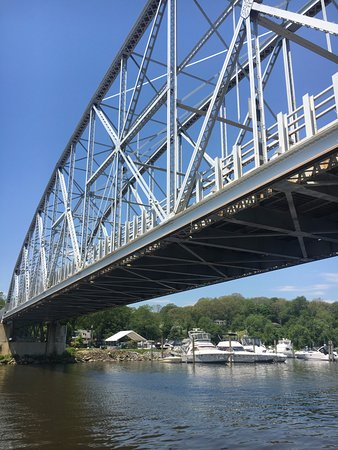 Heading under the East Haddam swing bridge