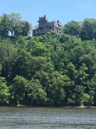 Haddam, CT: Gillette Castle (great for a visit after the cruise!)