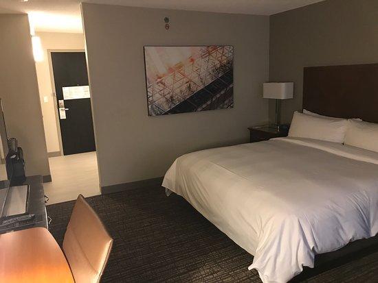Toronto Marriott Downtown Eaton Centre Hotel: photo3.jpg