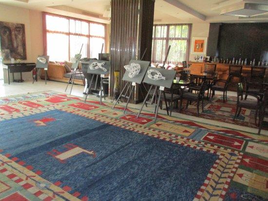 La Piscine Art Hotel: Empfangslobby