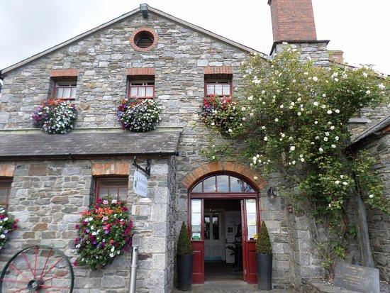 Skerries Mills: Beautiful floral baskets