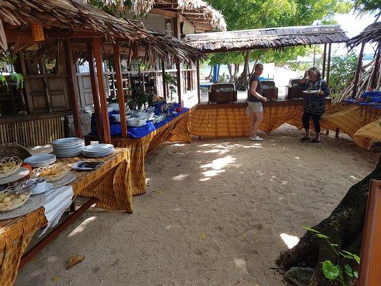 Siladen Island, อินโดนีเซีย: Pranzo sulla spiaggia