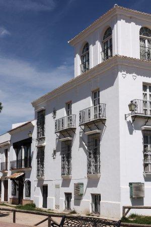 Hotel Toruno: Seeseite des Hotels