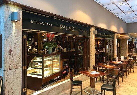Palm's: Sitzmöglichkeiten in der Passage