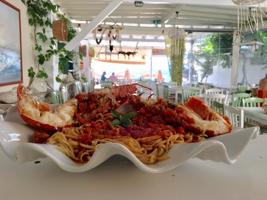 Palatia: Fresh Lobster Spaghetti