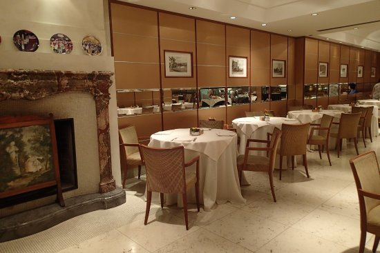 all'ingrosso online molti alla moda disponibile Breakfast is served in this very nice restaurant - Picture of Best ...