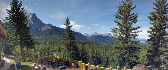 Overlander Mountain Lodge: View from the upstairs patio