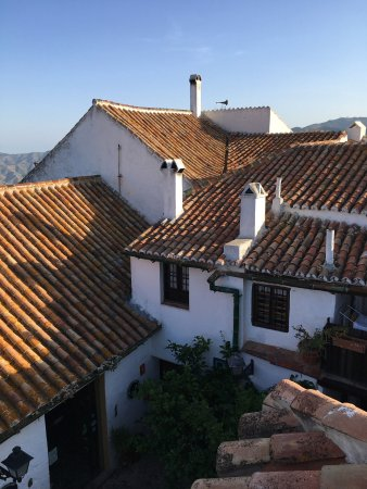 Comares, Spanyol: View from Front Terrasse down on patio
