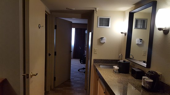 Embassy Suites by Hilton Hotel San Rafael - Marin County / Conference Center: 20170610_155238_large.jpg