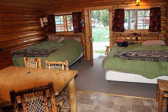 Silver Gate Cabins: Our home for six nights - cosy and cute!