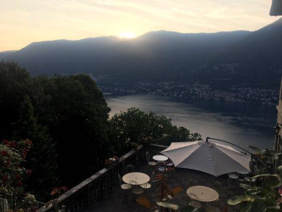 Molina di Faggeto Lario, Italia: sunset
