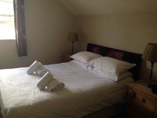 Lechlade, UK: Bed on arrival