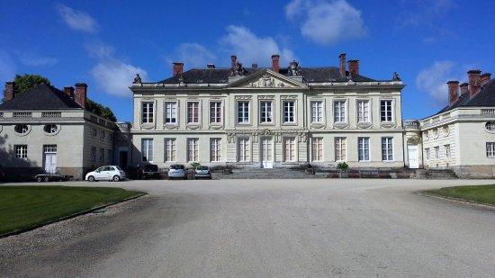 Craon, فرنسا: Front facade