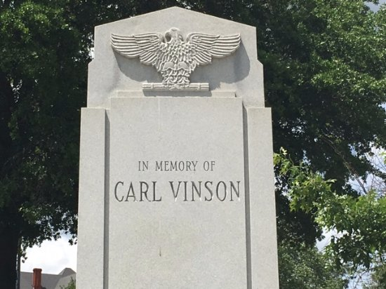 ‪Carl Vinson Monument‬