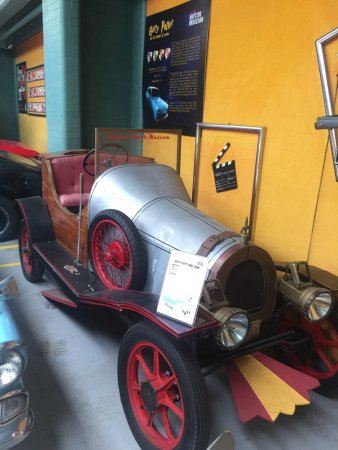 London Motor Museum : photo6.jpg
