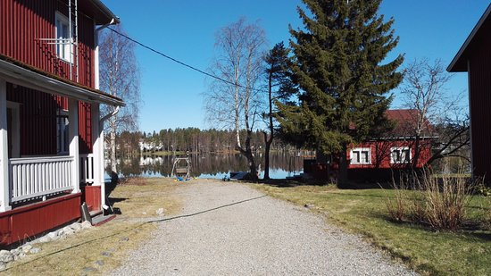 Ranua, Suomi: The red building on the right is an old sauna built in 1946 if I'm not mistaken.