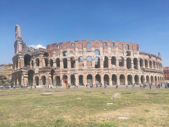 Aim Limo Rome Tours