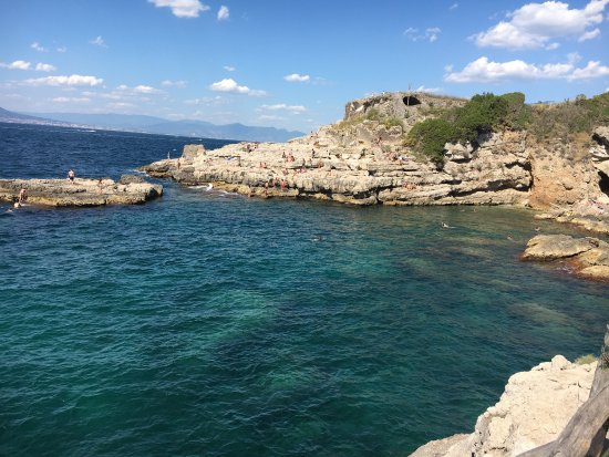 photo0.jpg - Picture of Bagni della Regina Giovanna, Sorrento ...