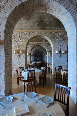 Hotel Giotto Assisi: The interior dining room. We did not eat dinner here so we could explore, but breakfast was a 10