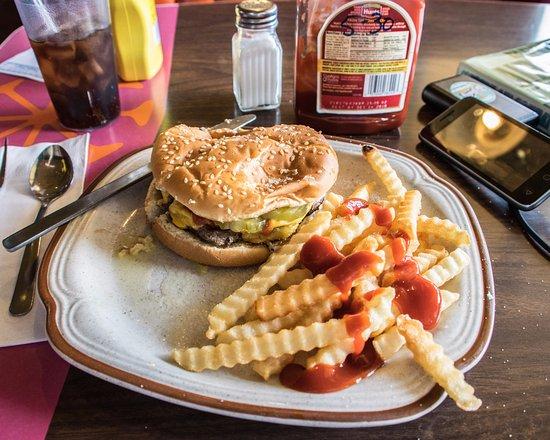 Randy's Restaurant: Slider Dinner (Cheeseburger & Fries & Soda) at Randy's