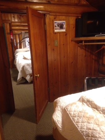 Moose Creek Cabins and Inn: photo0.jpg