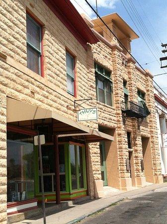 Thuy's Noodle Shop: Thuy's façade