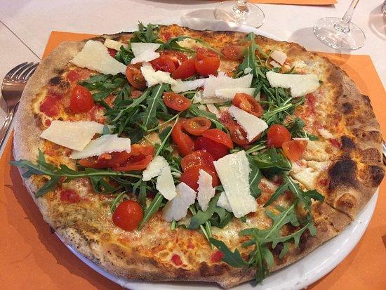Ristorante Pizzeria Alpino: pizza alpino