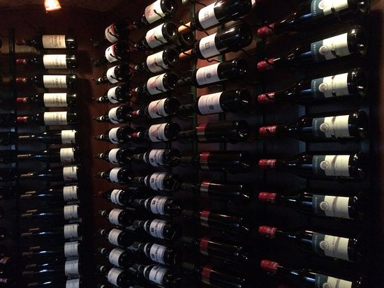 Vermilion Restaurant: Wine racks