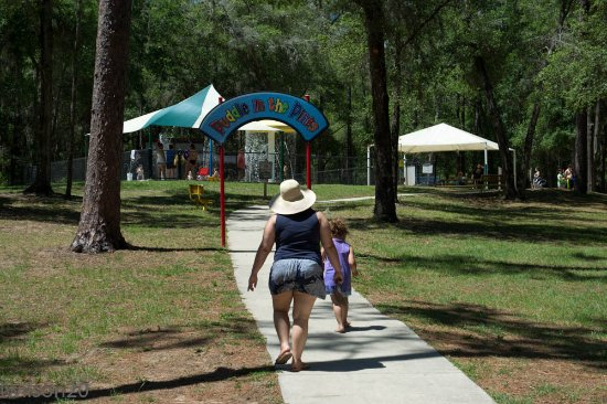 Inverness, FL: Short walk to the Puddle In The Park - Whispering Pines Park