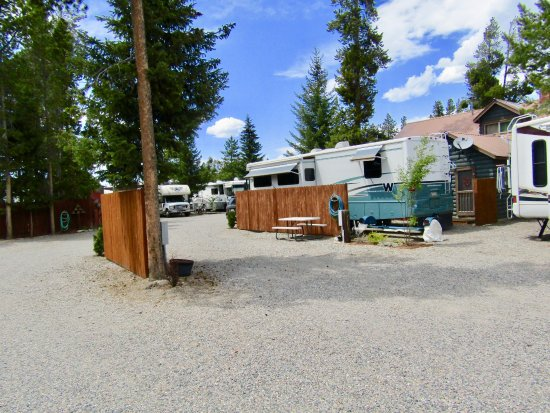 Hideaway rv park campground reviews west yellowstone for Cabins near yellowstone west entrance