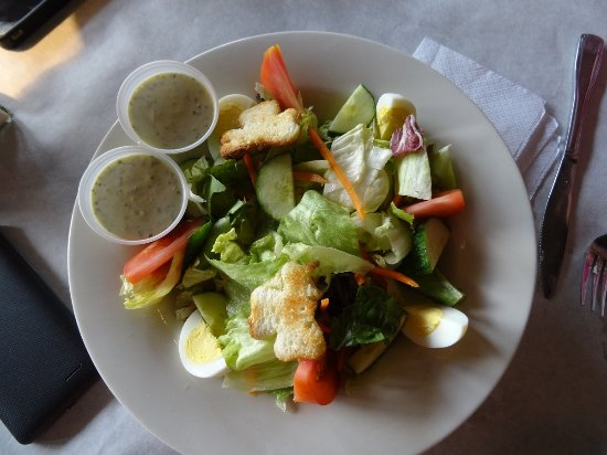 Paddy Mac's: Garden salad -it does come large