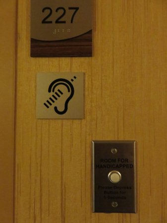 Fairfield Inn & Suites Valdosta: Room for the hearing impaired