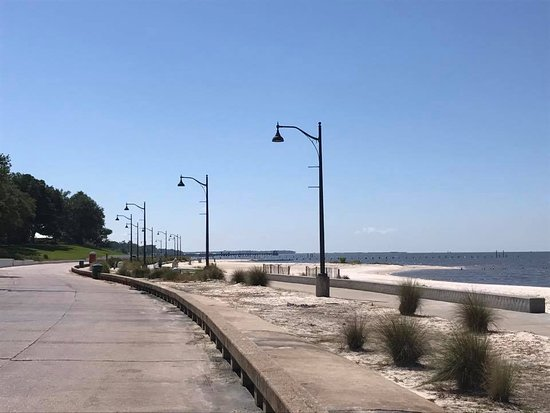 Front Beach: Praia