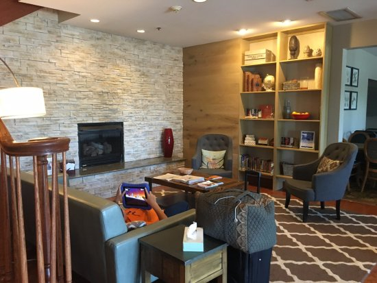 Country Inn & Suites by Radisson: Lobby