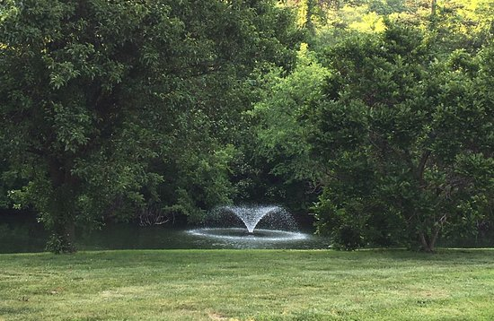 Excelsior Springs, MO: The grounds are spectacular!