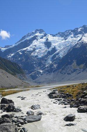 Mt. Cook Village, Nuova Zelanda: Glacial River