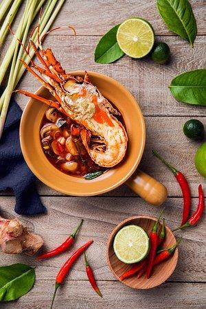 Coffee Garden Shangri-La Hotel Shenzhen : Lobster Tom Yum Kung Soup