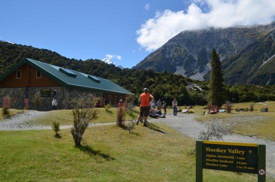 Mt. Cook Village, Nuova Zelanda: Main Building