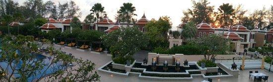 Movenpick Resort Bangtao Beach Phuket: โรงแรมที่เหมาะกับครอบครัวแต่ไกลจากทุกอย่างหาของทานยากแนะซื้อจากโลตัสเชิงทะเลหรือตลาดนัดมาทำเองจะ