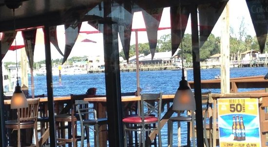 Whiskey River Sports Bar & Grill: What a view!!!