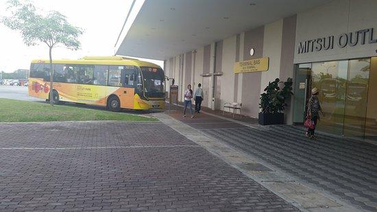 Sepang, Malasia: Free shuttle bus to KLIA