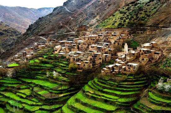 Atlas Mountains and Berber Villages ...