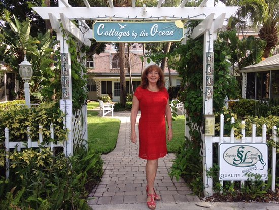 "Owner Elaine greeted us at her ""Authentic Florida"" Cottages by the Ocean"