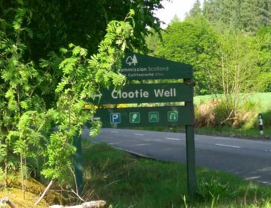 Munlochy, UK: Clootie well